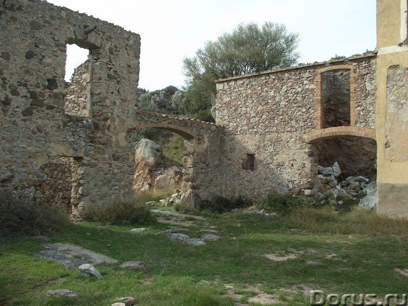 Испания. Старинная усадьба с 169 г. угодий в живописной зоне провинции Жирона - Недвижимость за рубе..., фото 2